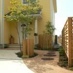 列柱と透水舗装で植栽を優しく活かします